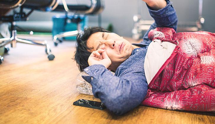 仕事中の眠気を撃退するもっともおすすめの方法とは?
