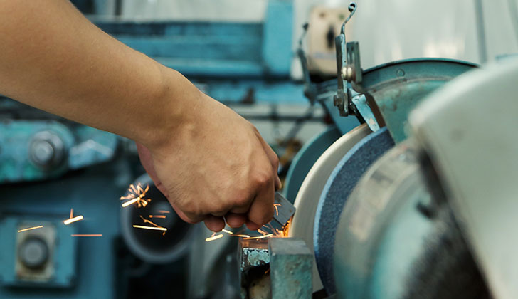 製造業の市場規模は大きい!人手不足もありチャンスは大きい。