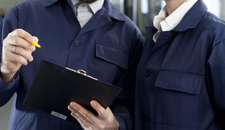 工場勤務をはじめとする製造業は離職率は低い。安心して働ける。